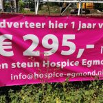 Steun via een sponsordoek bij Hospice Egmond